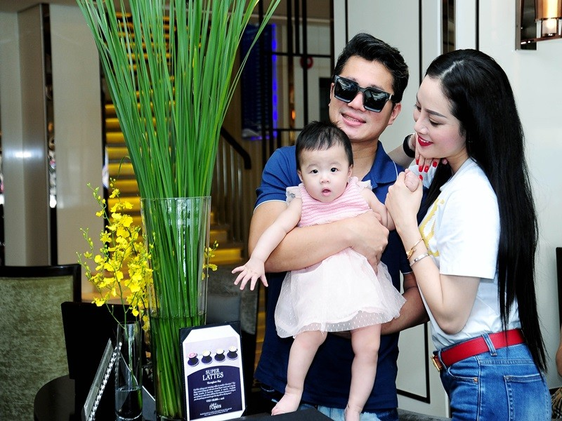 2 nam hon nhan ngan ngui cua Lam Vu va vo hoa hau-Hinh-10