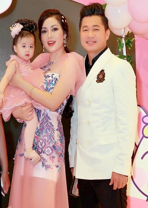 2 nam hon nhan ngan ngui cua Lam Vu va vo hoa hau-Hinh-7