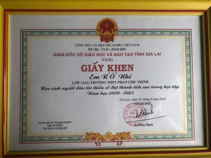 Vuot len hoan canh, cau hoc tro nguoi dan toc Jrai thanh thu khoa truong Sy quan-Hinh-3