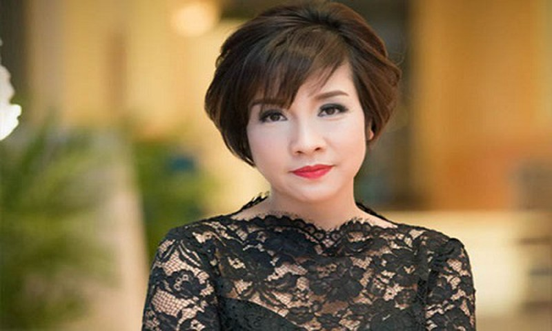 """Vu My Linh bi """"nem da"""": Bac si Vo Xuan Son dong cam voi nu ca sy"""