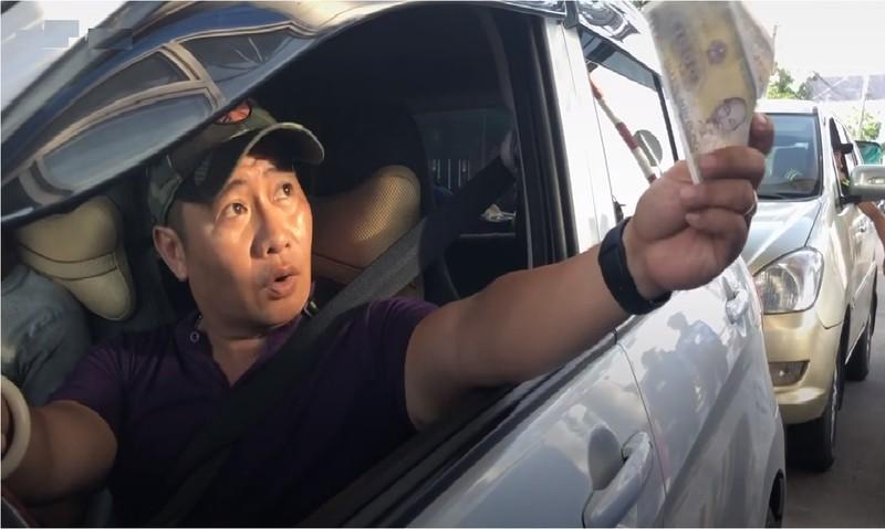 BOT gan cau Vam Cong: Tai xe di 300m phai tra phi cho 44km