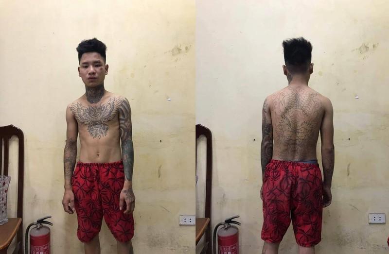 Thanh nien xam tro dam CSGT guc tren duong-Hinh-2