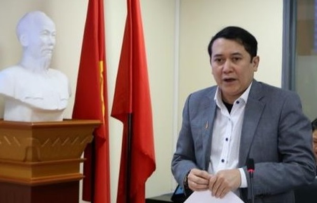 De xuat giam 1 Pho thu tuong, Chinh phu chi con 20 Bo