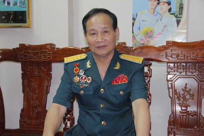 Nghe phi cong ke chuyen nem bom Tan Son Nhat, pha tan am muu nhuom mau Sai Gon cua My Nguy