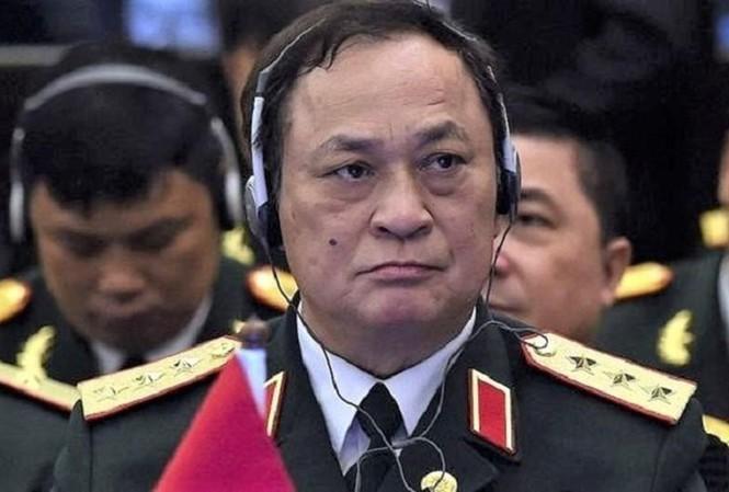 Cuu Thu truong Bo Quoc phong Nguyen Van Hien sap hau toa quan su