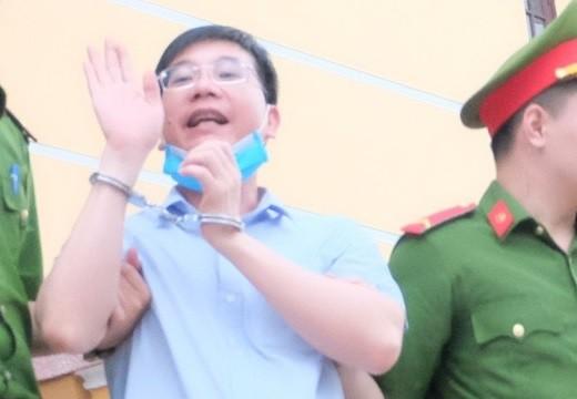 Gian lan diem thi tai Hoa Binh Cuu truong phong An ninh linh an 6 nam tu