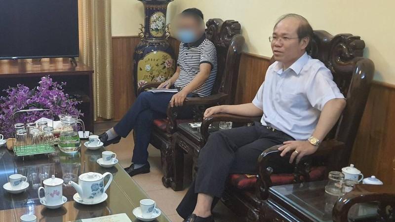 Vu luat su bi yeu cau roi khoi phien toa: Chanh an TAND tinh Bac Kan noi gi?
