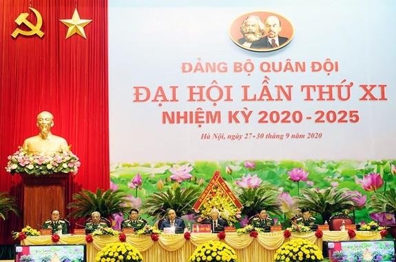 Tong Bi thu, Chu tich nuoc du khai mac Dai hoi Dang bo Quan doi lan thu XI