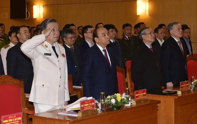 Chong tham nhung: Xu ly mot vu, canh tinh ca vung-Hinh-2