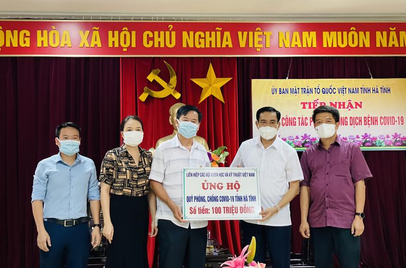 Lien hiep cac Hoi KH&KT Viet Nam ho tro Quy phong chong COVID-19 tinh Ha Tinh 100 trieu