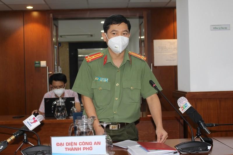 Cong an TP.HCM khang dinh co chuyen 'bom' hang di cho ho