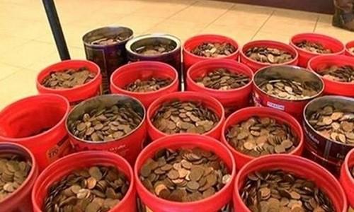 Ngan hang choang voi 220kg tien xu cua cu ong U80