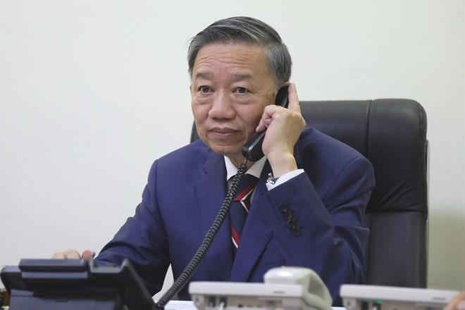 Bo Cong an san sang qua Anh xac minh 39 nguoi chet trong container