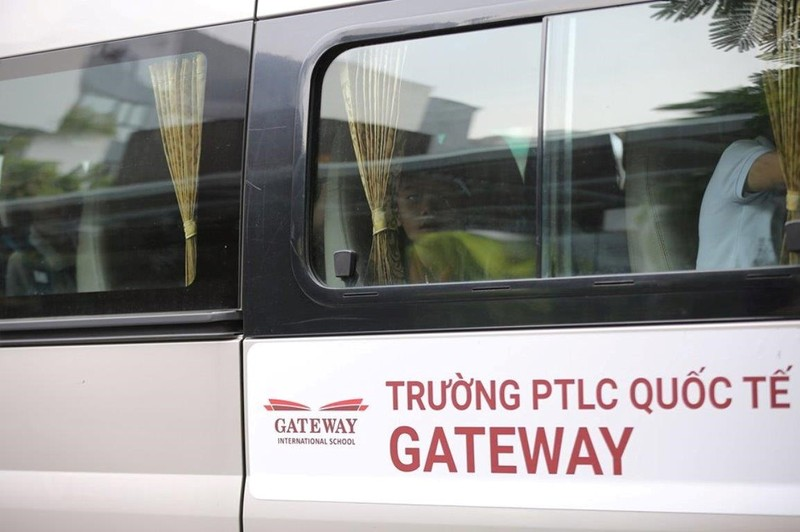 Hoc sinh truong Gateway tu vong: Ly do gi khien cong an gia han dieu tra?
