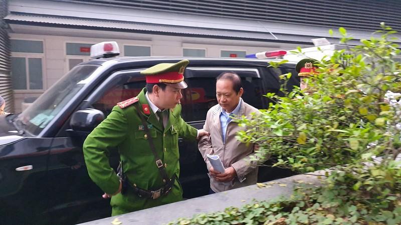 """Xet xu AVG: Con gai cuu Bo truong Bac Son vang mat, """"so phan"""" 3 trieu USD nhan hoi lo the nao?"""