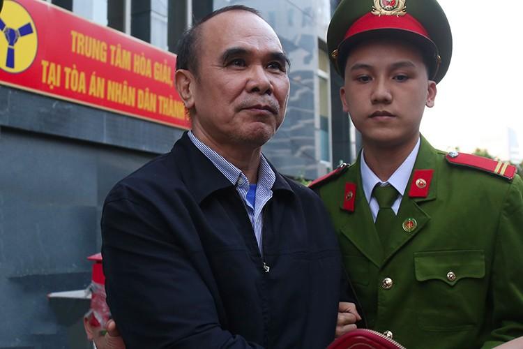 "Vu AVG: Tuan, Tra, cac dong pham khai gi ve ""tong dao dien"" Nguyen Bac Son?-Hinh-4"