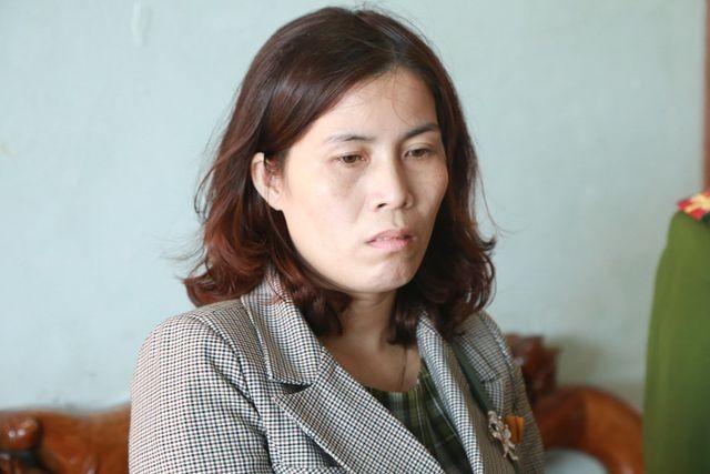 Manh khoe ban 400 hoa don truc loi cua vo chong giam doc - ke toan xu Hue-Hinh-2