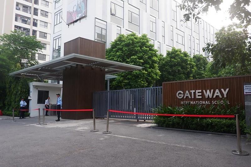 Vu be trai truong Gateway tu vong: Truy to 3 bi can