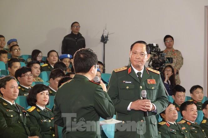 Xuc dong tam su nguoi linh mu noi xanh va hau phuong ngay Tet-Hinh-5