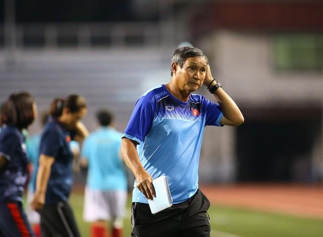 HLV Mai Duc Chung bi VFF no luong: Dong co cua nguoi tung tin don la gi?