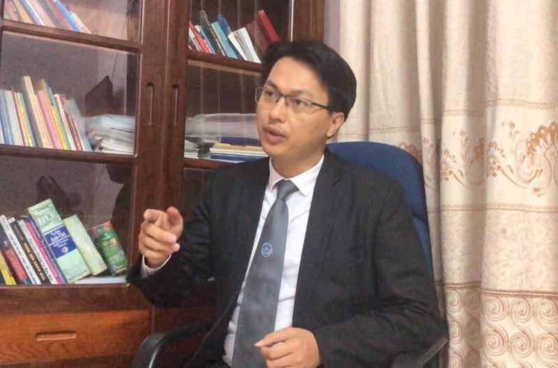 """Cho ban gai vuot den do, dam thang CSGT: """"Suu nhi"""" co the bi khoi to toi Giet nguoi?-Hinh-2"""