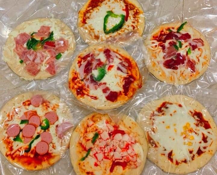 Kinh hai nguon goc pizza sieu re tran cho mang, 6 thang khong moc hong