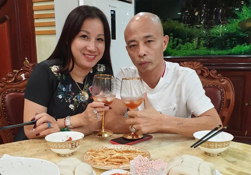 """Hanh trinh phat len nhu """"dieu gap gio"""" cua vo chong trum giang ho Duong Nhue"""