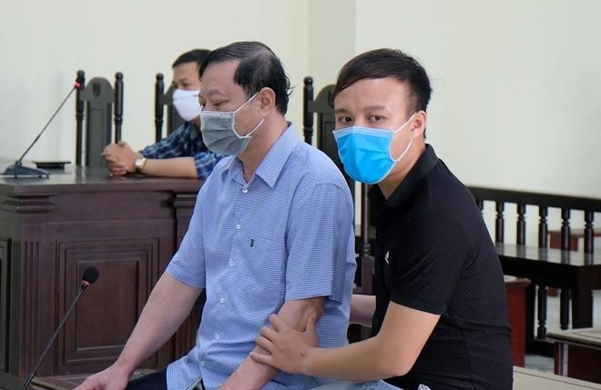 Cuu truong CA TP Thanh Hoa nhan hoi lo: Bi hai xin giam an... co thoat?