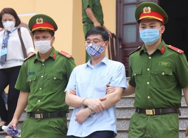 Xet xu gian lan thi o Hoa Binh: Cuu truong Phong An ninh
