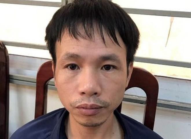 Linh 48 thang tu do ban phao sang vao dui co gai tren SVD Hang Day