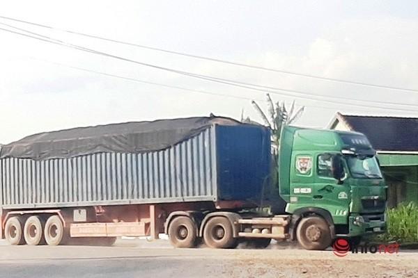 Xe cat noc container cho cat dap ngon 'lam mua lam gio', CSGT bo tay-Hinh-10