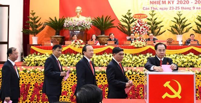 Ong Le Quang Manh duoc bau lam Bi thu Thanh uy Can Tho-Hinh-3