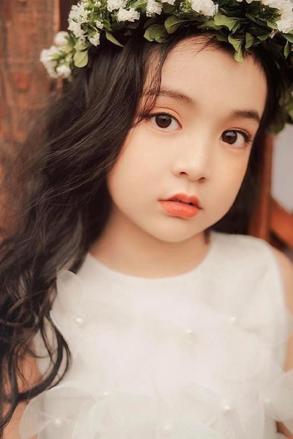 """Be gai """"sinh ra de thi Hoa hau"""" gay xon xao mang xa hoi 4 nam truoc gio ra sao?-Hinh-3"""