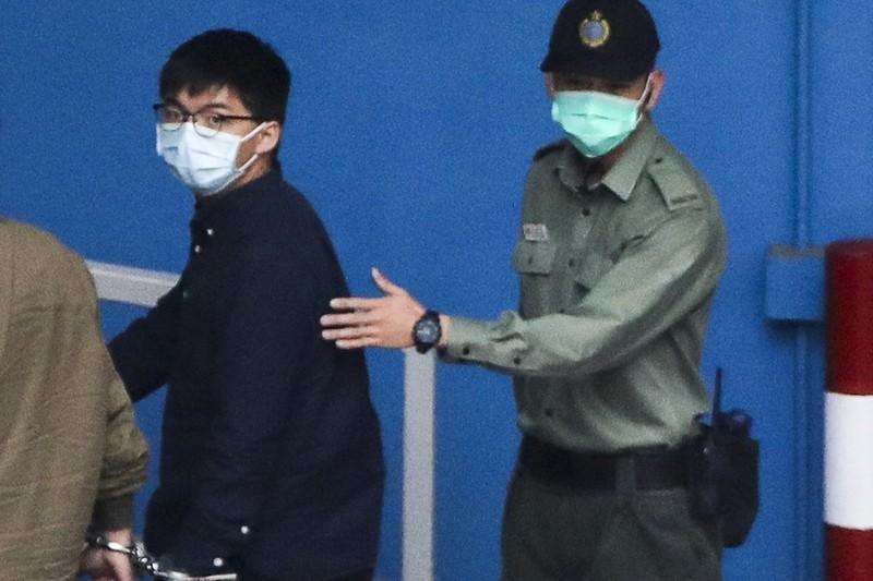Joshua Wong bi biet giam vi bac si phat hien 'bong mo' trong bung