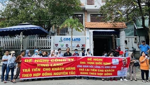 Vu Trinh Quoc Hung KingLand: Lua dao chiem doat tai san