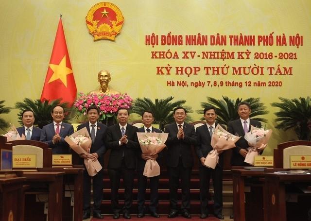 Bo nhiem 5 tan Pho Chu tich UBND TP Ha Noi nhiem ky 2016 - 2021