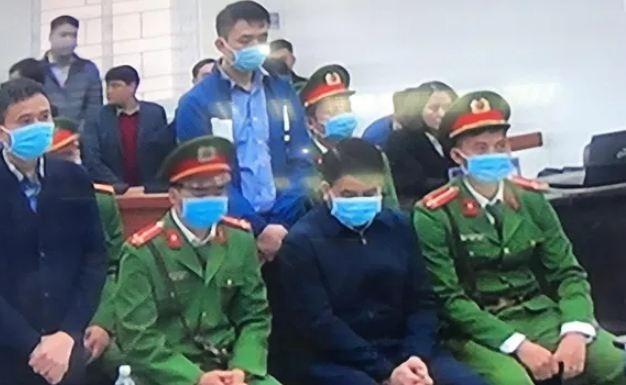 Cuu Chu tich UBND Ha Noi Nguyen Duc Chung bi tuyen an 5 nam tu