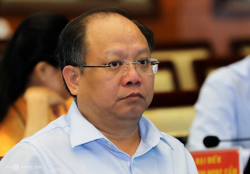 Dinh chi chuc vu ong Tat Thanh Cang