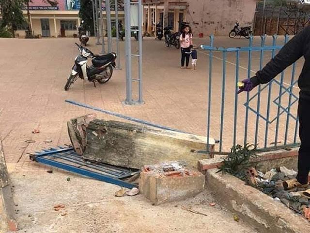 Sap cong truong de chet hoc sinh o Dak Nong: Trach nhiem hieu truong the nao?