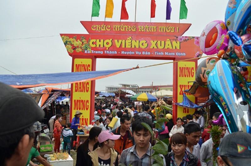 Nam Dinh dung to chuc phien cho Vieng 2021