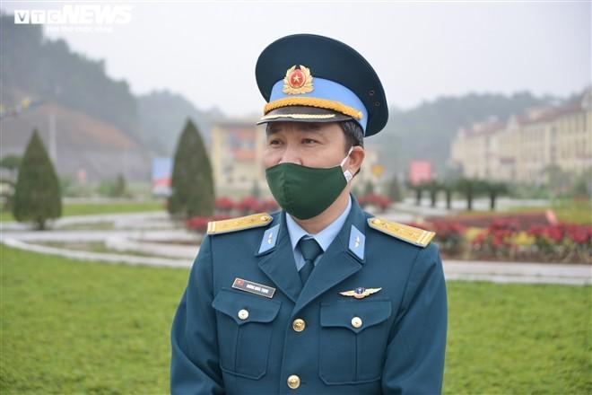 Don Tet tren bau troi cua chang phi cong tre Trung doan khong quan 921-Hinh-5
