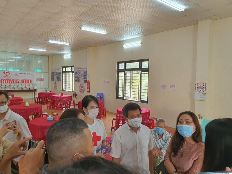 Xuc dong canh ong Doan Ngoc Hai lam phuc vu de quyen tien tu thien-Hinh-12