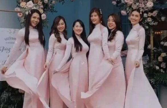 "Ha Tang ""pha le"" di lam phu dau, visual da ""hack tuoi"" con cute ""cung muon xiu""-Hinh-4"