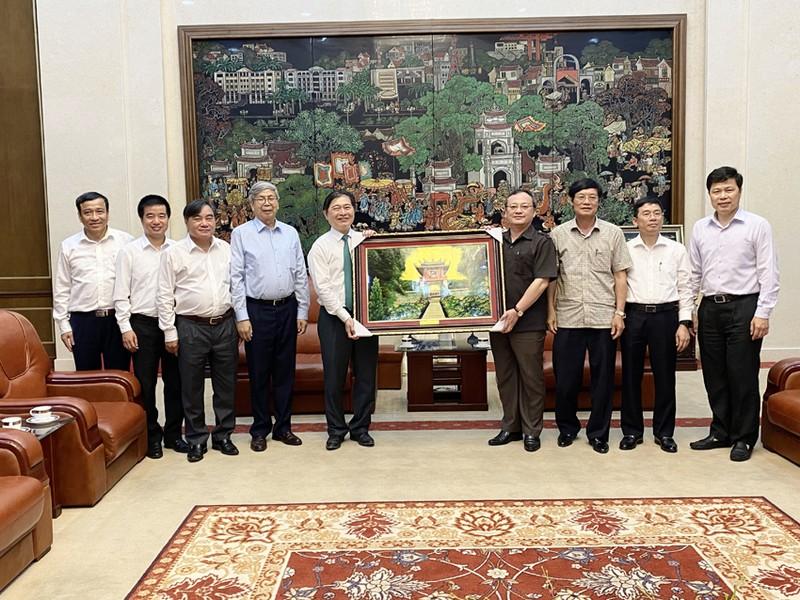Chu tich Phan Xuan Dung tham va lam viec voi Tinh uy Hung Yen-Hinh-2