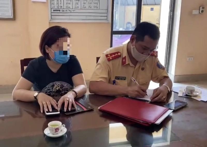 Phat nu tai xe lui xe tren cao toc Ha Noi - Thai Nguyen