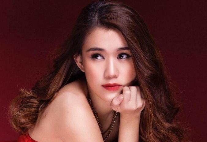 Hotgirl Ngoc Thao: Toi chi no ban than mot nguoi dan ong