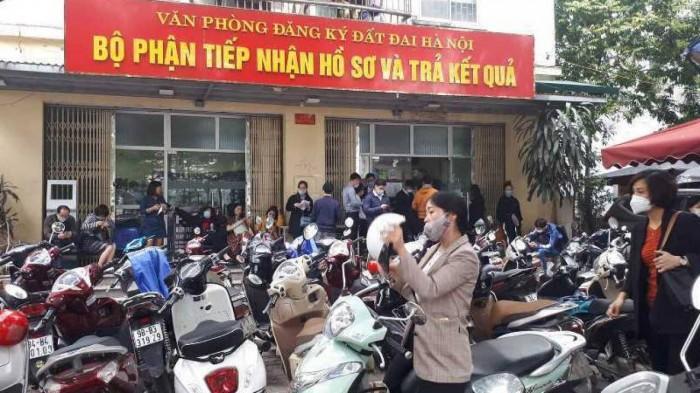 Van phong Dang ky dat dai Ha Noi cap hang chuc so do sai quy dinh