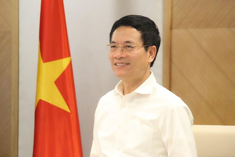Bo truong Nguyen Manh Hung gui thu chuc mung 76 nam Ngay Truyen thong nganh TTTT