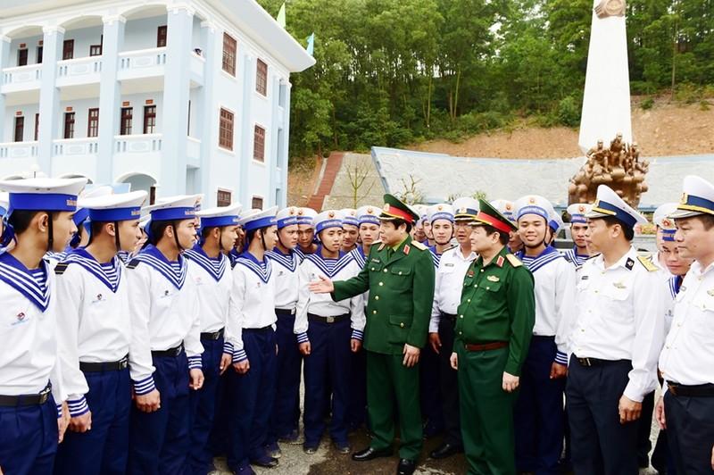 Dai tuong Phung Quang Thanh va nguoi thu truong cu-Hinh-2
