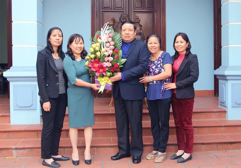 Dai tuong Phung Quang Thanh va nguoi thu truong cu-Hinh-4